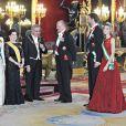 Le prince Felipe d'Espagne et son épouse Letizia, le Président du Liban Michel Suleiman, sa femme Wafaa, leur fille Rita ainsi que son mari Wissam Baroudy lors du gala organisé par le Roi Juan Carlos et son épouse la Reine Sofia en l'honneur du Prési