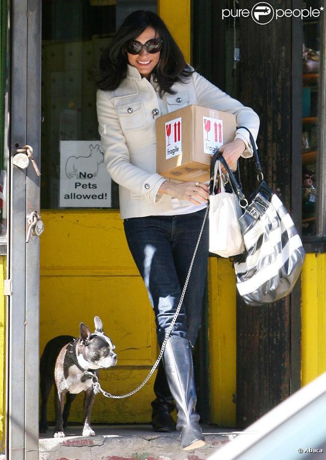 Famke Janssen dans les rues de New York ave Licorice