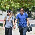 Exclusif - Tendrement enlacés, Paris Hilton et son compagnon Carter Reum s'embrassent pendant leur déjeuner romantique à Malibu, le 7 juin 2020.