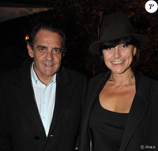 Lio et son compagnon Jean-François Lepetit lors de la fête du Cidre d'automne à Paris le 22 octobre 2009
