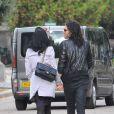 Katy Perry et Russell Brand : Les deux tourtereaux se dirigent vers le cimetière du Père Lachaise à Paris afin de se receuillir sur la tombe du grand Jim Morrison le 7 octobre 2009