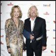 Sharon Stone et Richard Branson lors de la soirée de charité Rock the Kasbah au profit de Virgin Unite et de la fondation de Eve Branson à Los Angeles le 26 octobre 2009