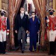 Le roi Felipe VI et la reine Letizia d'Espagne, reçoivent des ambassadeurs étrangers au Palais Royal le 28 janvier 2021 à Madrid, Espagne.