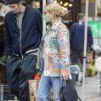 Exclusif - Emma Roberts et son compagnon Garrett Hedlund sont allés faire des courses chez Bristol Farms à Beverly Hills, Los Angeles, le 15 mars 2021.