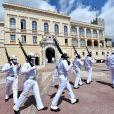 La traditionnelle relève de la garde du Palais Princier de Monaco a repris sous le regard du prince Albert II de Monaco, après s'être arrêtée à cause de l'épidémie du coronavirus (Covid-19) à Monaco, le 19 juin 2020. © Bruno Bebert/Bestimage