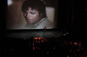 Michael Jackson : Les fans enflamment Paris pour