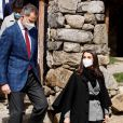 Le roi Felipe VI et la reine Letizia d'Espagne, visitent l'église romane Santa Coloma à Andorre-la-Vieille, le 26 mars 2021, lors de leur voyage officiel en Andorre.