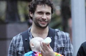 Jeremy Sisto jeune marié, son épouse et leur adorable bout de chou en balade à New York !... Trop mignon !