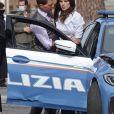 """Tom Cruise et Hayley Atwell sur le tournage de """"Mission Impossible 7"""" à Rome, le 13 octobre 2020."""