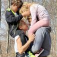 Elodie Gossuin avec son mari Bertrand et ses enfants Joséphine et Léonard, Instagram, avril 2021