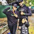 La chanteuse Alicia Keys, soutenue par son mari Swizz Beatz et leur fils Egypt, a couru le marathon de New-York, le 1er novembre 2015.