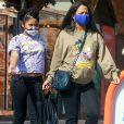 Exclusif - Christina Milian, enceinte et accompagnée de sa fille Violet, fait le plein d'essence dans une station service de Los Angeles.