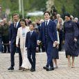 Le prince Frederik, son épouse la princesse Mary et leurs enfants, les princes Christian, Isabella, Joséphine et Vincent de Danemark arrivent à l'église du château de Fredensborg. Le samedi 15 mai 2021.