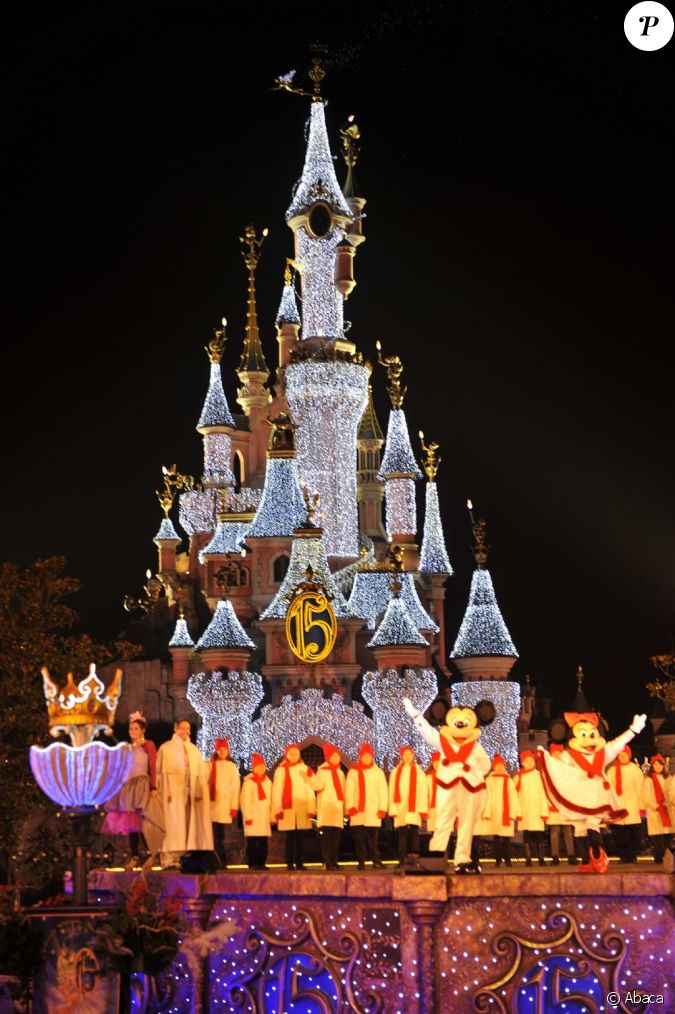 Illumination disneyland paris pour no l - Illumination a paris ...