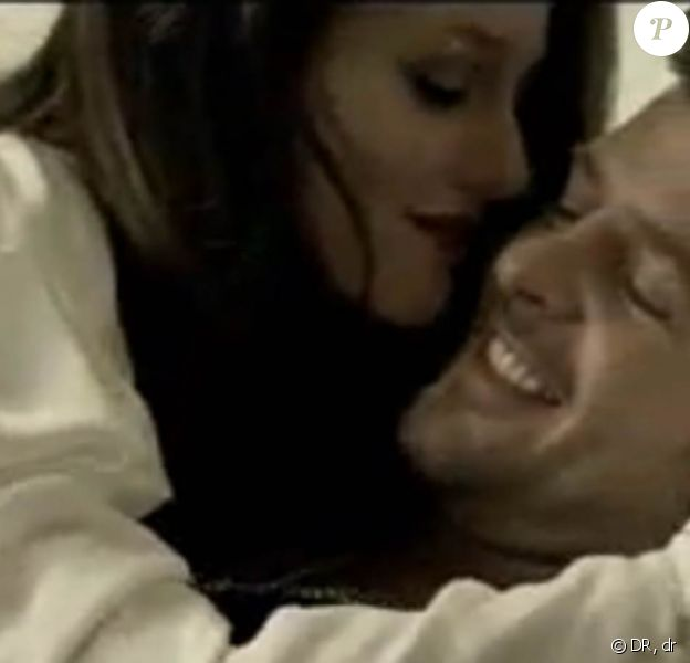 Leighton Meester et Robin Thicke se love dans le clip Somebody to love