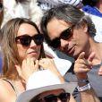 Laura Smet et son compagnon Raphaël dans les tribunes lors du tournoi de tennis de Roland Garros à Paris le 3 juin 2015.