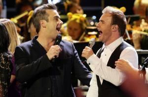 Robbie Williams : Regardez, il a retrouvé... les Take That sur scène !