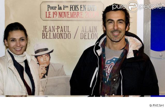 Adeline Blondieau et son compagnon Laurent lors de la soirée annonçant la sortie en DVD du film Borsalino le 16 novembre 2009 à Paris