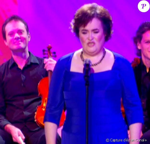 Susan Boyle au Grand Journal de Canal+. Une prestation enregistrée le 16/11/09 et diffusée le 20/11/09