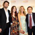 Julianne Moore, Tracy Pollan et Michael J. Fox à une soirée de charité en faveur de la maladie de Parkinson le 21/11/09 à New York