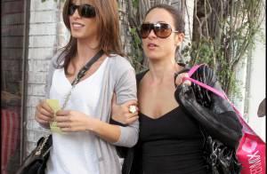 Elisabetta Canalis : la fiancée de George Clooney est radieuse au bras... de sa meilleure copine !