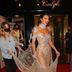 Kendall Jenner à la sortie du Carlyle Hotel pour se rendre à la soirée du Met Gala (Met Ball) 2021 à New York le 13 septembre 2021.