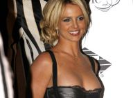 Britney Spears revient en France avec un beau cadeau !
