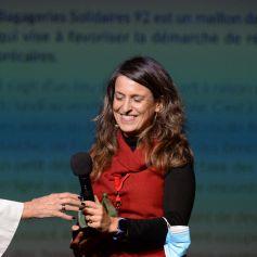 """Exclusif - Chantal Thomass remet le prix à l'association bagagerie solidaire 92 - Cérémonie de la première édition """"Les Coups de Coeur DAPAT"""" au théâtre Marigny à Paris le 27 septembre 2021. Le fonds de dotation DAPAT à pour mission prioritaire de lutter contre l'exclusion, l'isolement et la pauvreté des femmes en détresse et des mères SDF. Plus globalement, il entend favoriser l'insertion sociale et professionnelle ainsi que l'autonomie et la dignité de ces personnes, en proposant un parcours complet d'accompagnement pour la réinsertion dans la société et sur le marché du travail. © Rachid Bellak/Bestimage"""