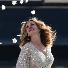 L'actrice américaine Julia Roberts sur le tournage d'une publicité pour Lancôme (sur la péniche Cachemire) sur la Seine à Paris, le 17 septembre 2021.