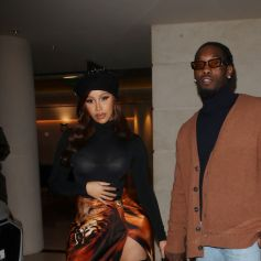 Cardi B et son mari Offset à la sortie de leur hôtel lors de la Fashion Week printemps/été 2022 de Paris à Paris, France, le 1er octobre 2021.