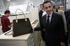 Un sac pour Nicolas Sarkozy en visite chez Vuitton : Ca va faire plaisir à Carla, elle aurait bien aimé venir... (réactualisé)