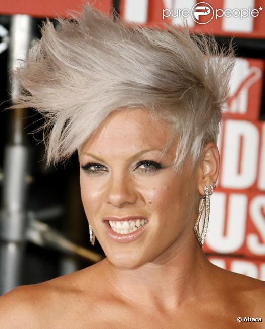 Pink durant les MTV Music Video Awards en septembre 2009