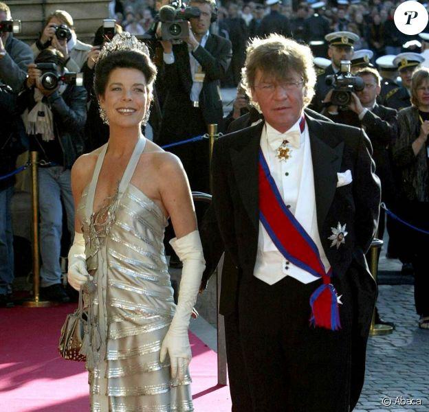 Ernst August de Hanovre passe en second jugement : sa femme Caroline de Monaco, bien que séparée de lui, viendra le soutenir...