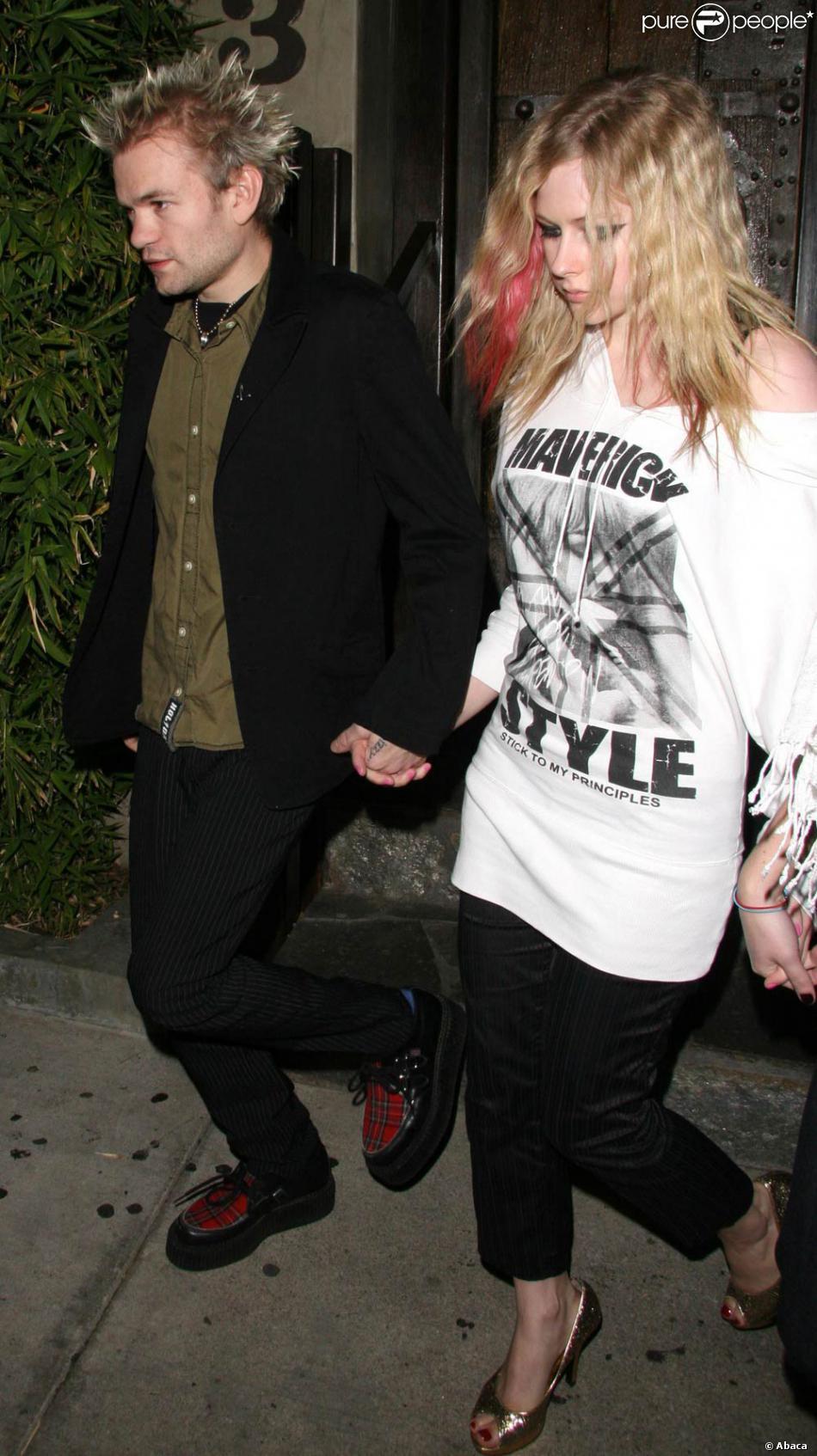 Avril Lavigne pipe Emma Starr vidéos de sexe