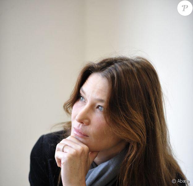 L'ami SDF de Carla Bruni accorde une interview à Closer au sujet des rapports qu'il entretient avec l'épouse du chef de l'Etat.