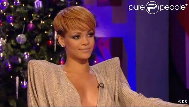 Rihanna dans l'émission Friday Night Live le 17 décembre 2009