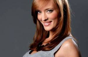 Scandale Miss France 2010 : Le droit de réponse de Miss Paris concernant ses photos trash... et la réaction de Geneviève de Fontenay !