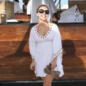 Quand la séduisante Hayden Panettiere prend la plage... pour un tapis rouge !