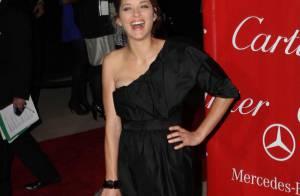 Une superbe Marion Cotillard, récompensée... nous livre de magnifiques éclats de rire !