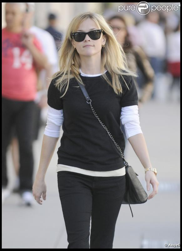 Reese Witherspoon faisant du shopping à Beverly Hills, le 5 janvier 2010
