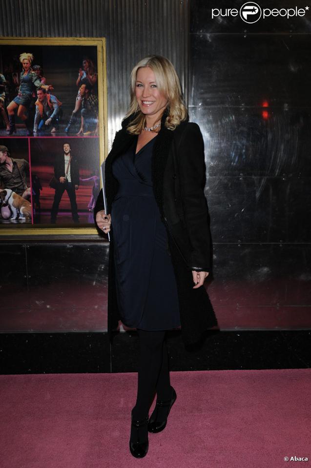 Denise van Outen, future maman, lors de la première de la comédie musicale Legally Blonde à Londres le 13 janvier 2010