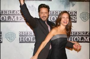 Robert Downey Jr. danse de bonheur avec sa femme... non loin d'un Jude Law bien bronzé !
