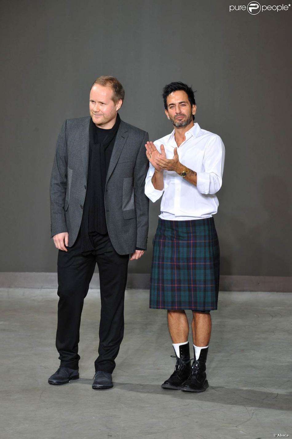 Marc Jacobs lors du défilé homme Louis-Vuitton Printemps-Eté 2010-2011 d70f39938257