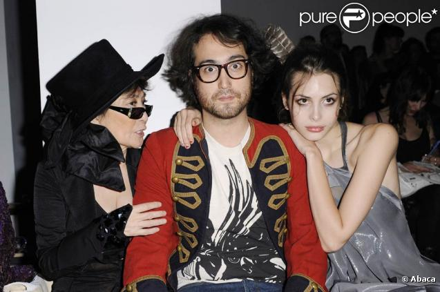 Yoko Ono Et Son Fils Sean Lennon Ressuscitent Leur Groupe Mythique