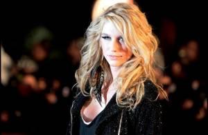 Kesha : Sur le tapis rouge des NRJ Music Awards 2010, elle nous a fait... une révélation !