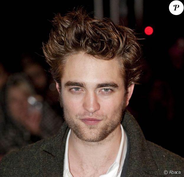 Robert Pattinson : Une bande dessinée est consacrée à son parcours fulgurant de comédien...