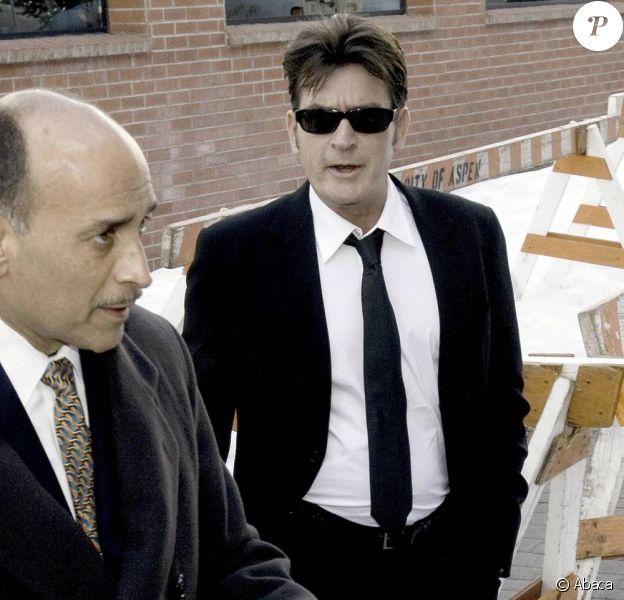 Charlie Sheen au tribunal d'Aspen le 8 février, son épouse Brooke Mueller était présente à l'audience !