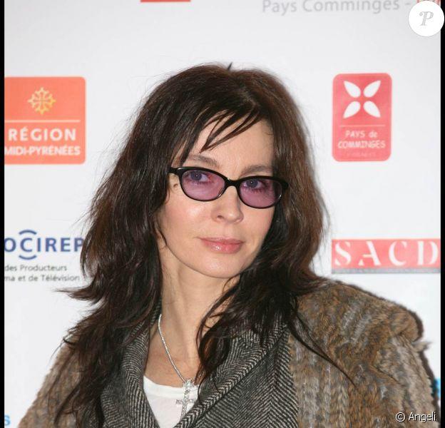 La ravissante Anne Parillaud à l'occasion de la douzième édition du festival de Luchon, le 4 février 2010.