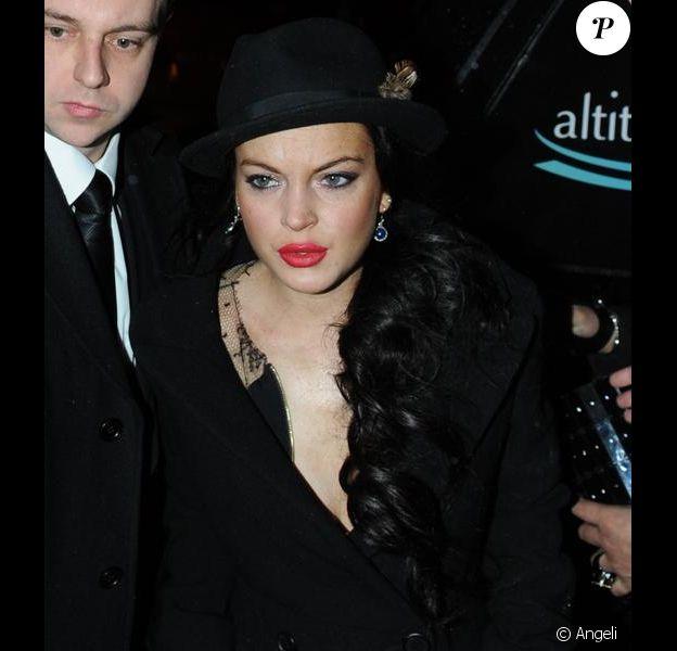 Lindsay Lohan anime une soirée de gala au profit de la croix rouge en aide à Haïti le 16 février 2010