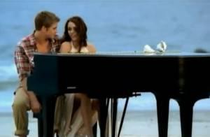Regardez Miley Cyrus vivre le grand amour avec un homme... qui n'est pas le sien !